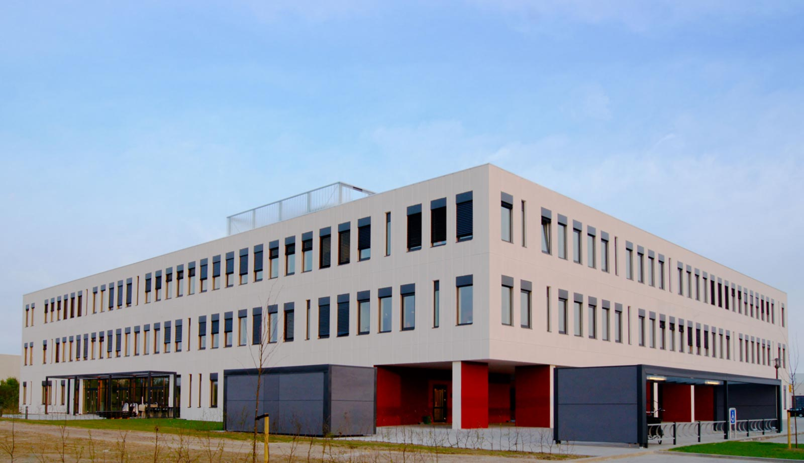 SuperGros Ringsted - Four-winged administration building in Ringsted holding 7.000 m2