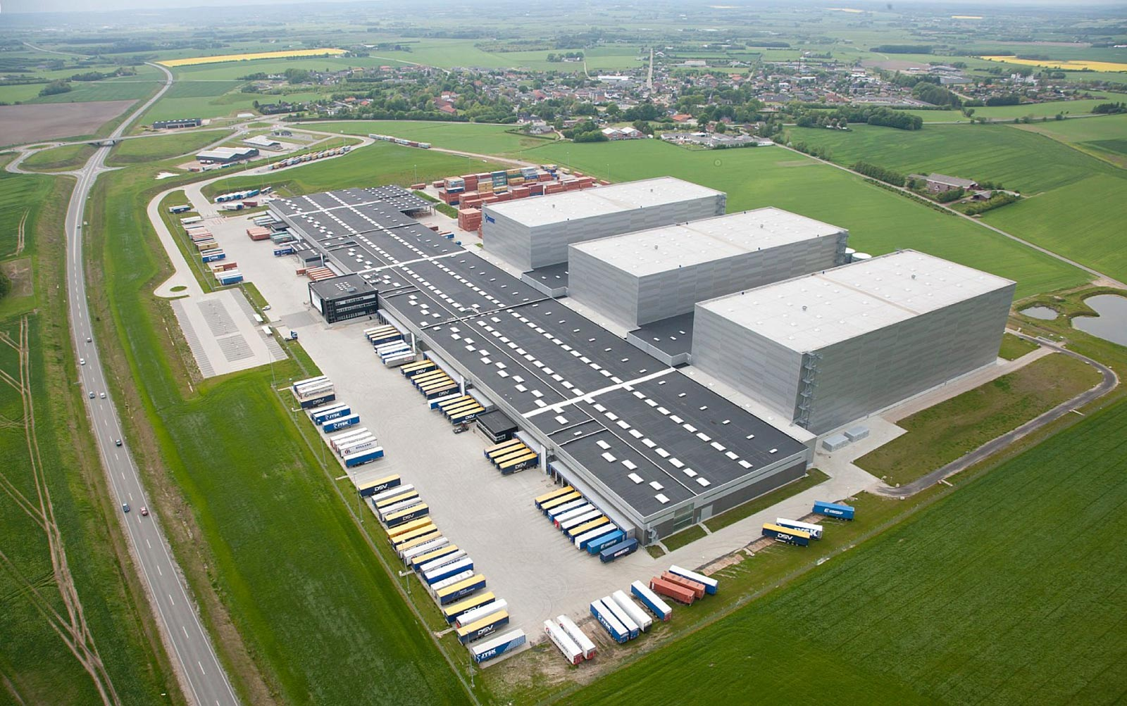 JYSK Uldum - Distribution centre - JYSK's new 64,000 m2 distribution centre is attractively situated in the open countryside.